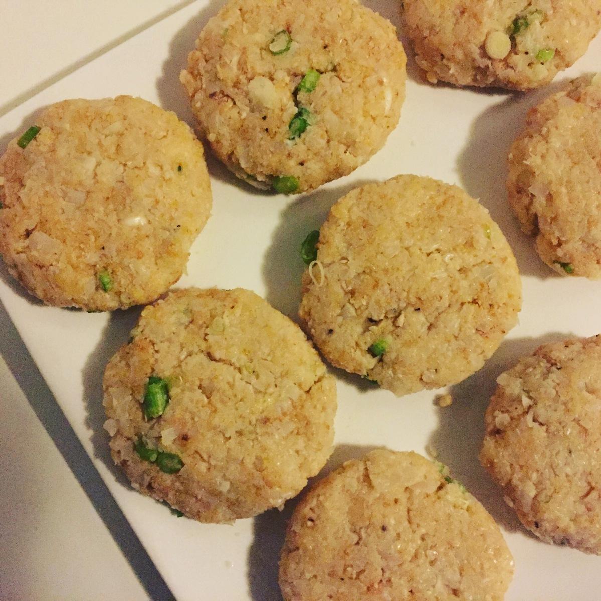 Cheesy Scallion Cauliflower Fritters – My Cheeky Kitchen